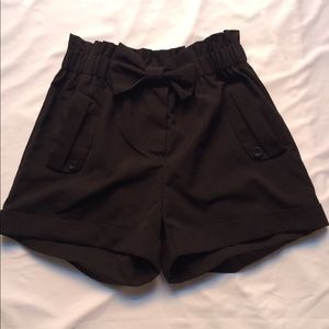 Ellison black shorts with bow